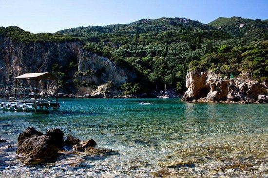 أفضل شواطئ العالم للسباحين grace.jpg