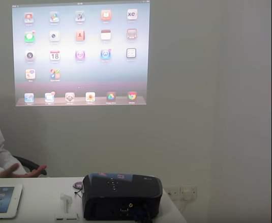 طريقة توصيل البروجيكتور على الايباد و الايفون بالصور المرسال