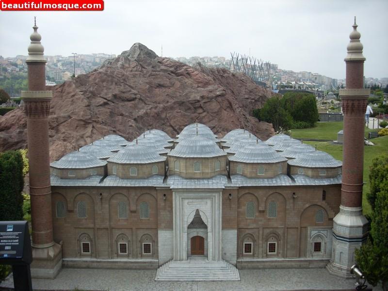 طراز العمارة العثمانية في جامع بورصة الكبير المرسال