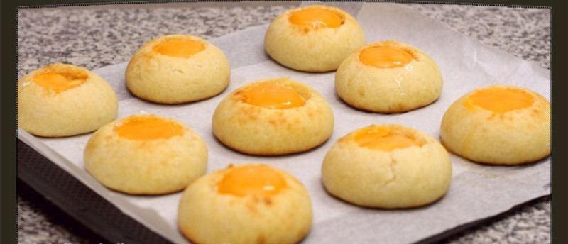 اقراص الخبز بالبيض وجبة افطار Add-egg.jpg