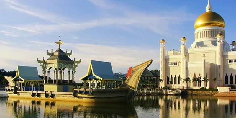 ترتيب دول العالم من حيث دخل الفرد Brunei-has-more-than-50400-annual-GDP-giving-it-the-6th-spot-in-this-ranking-list-of-world%E2%80%99s-richest-nations