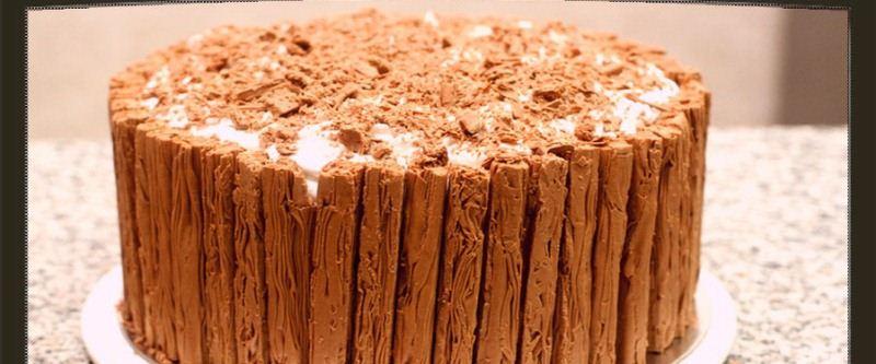 طريقة تورتة الفليك خطوة خطوة Decorat-Cake.jpg