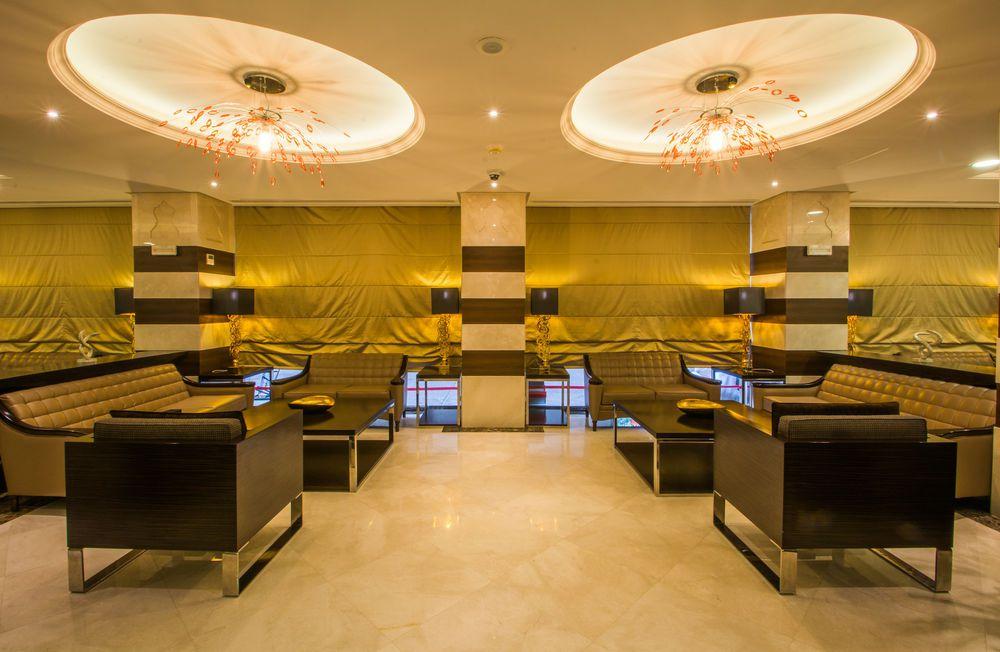 البهو الفاخر في فندق ميلينيوم العقيق بالمدينة المنورة