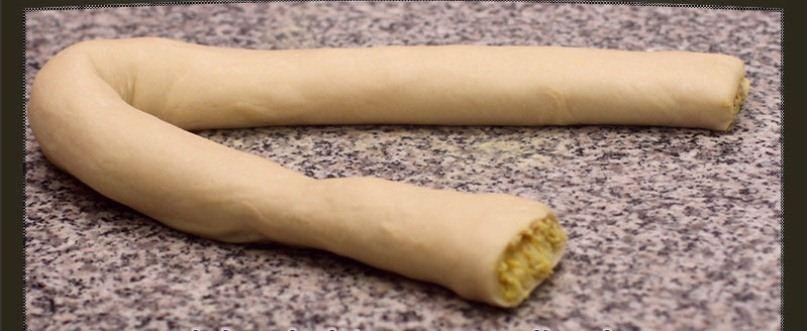 فطيرة الدجاج بالملفوف والجبن اللذيذة Wrap-Dough-1.jpg