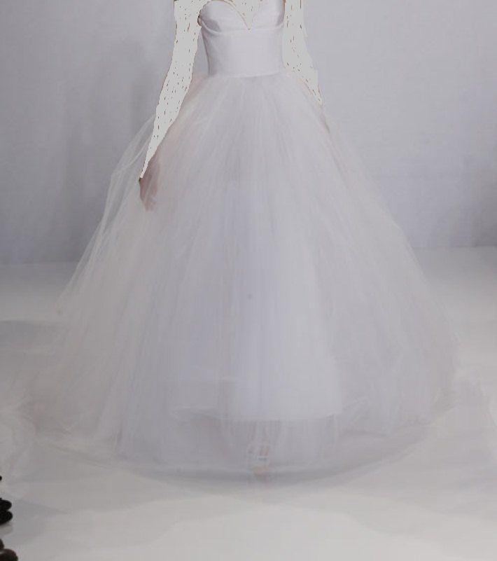 fb2178f0b فساتين زفاف كريستيان سيريانو - بوابة وادي فاطمة الالكترونية