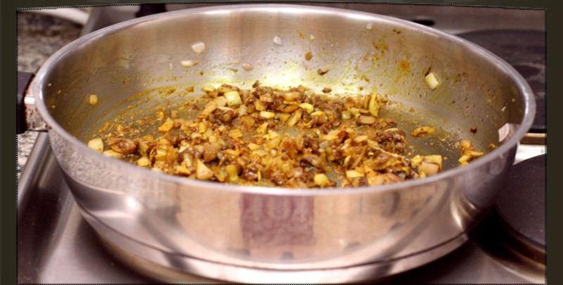 الدجاج بالباشميل وصفة أروع Add-Spices.jpg