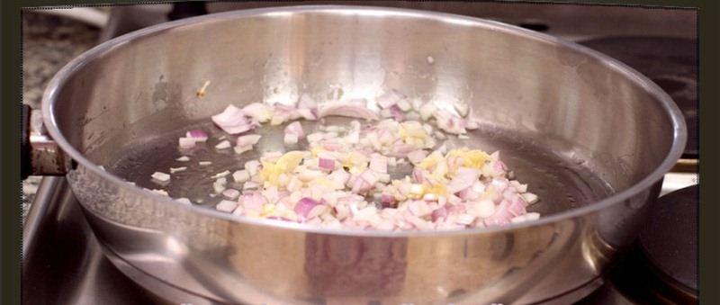 الدجاج بالباشميل وصفة أروع Fry-onion.jpg