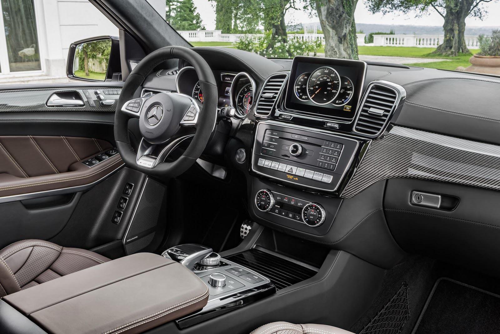 التصميم الداخلي للسيارة مرسيدس جي ال اس 2016