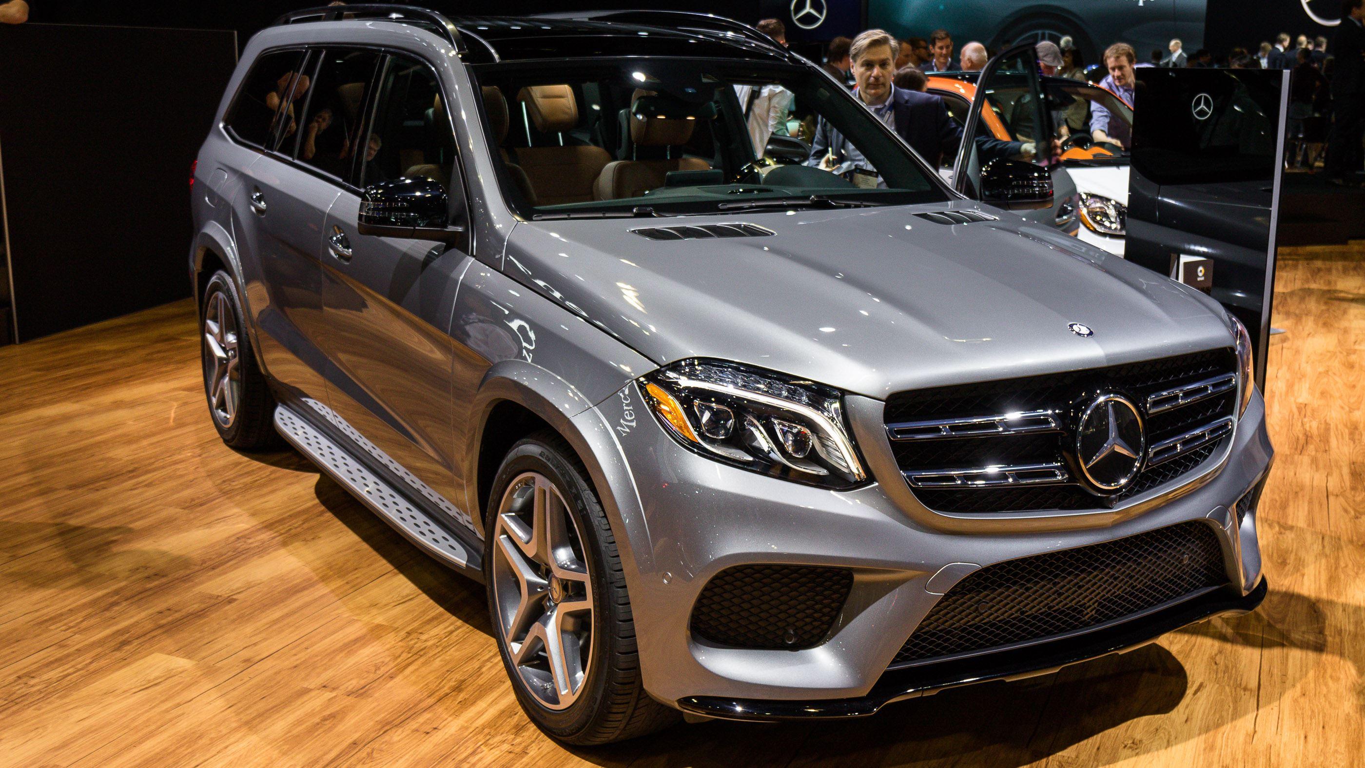 التصميم الخارجي للسيارة مرسيدس جي ال اس 2016