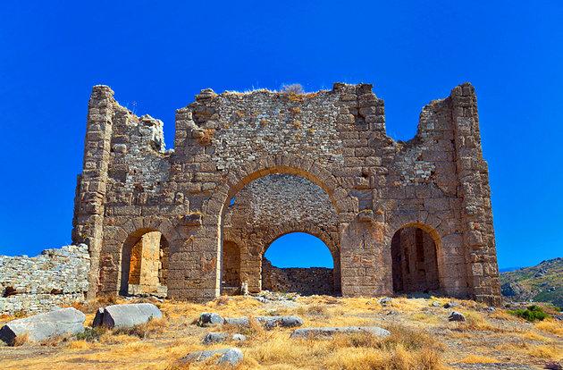 بقايا الحصن الإغريقي تركيا