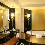لوني حمامك بطبقة من الذهب