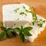 ماهي الجبن الفيتا ؟ وهل هي صحية ؟