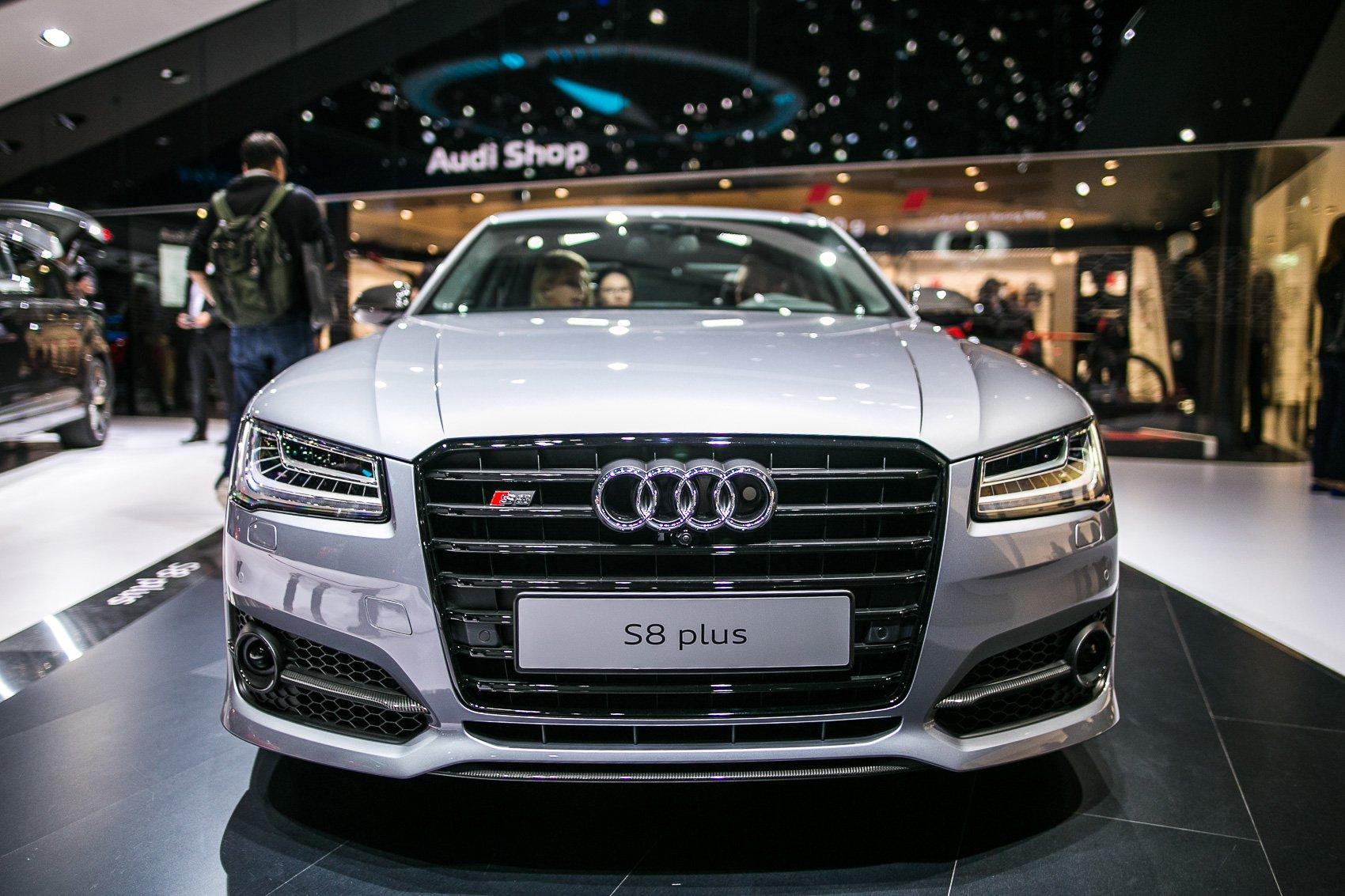 Kelebihan Audi S8 2016 Spesifikasi