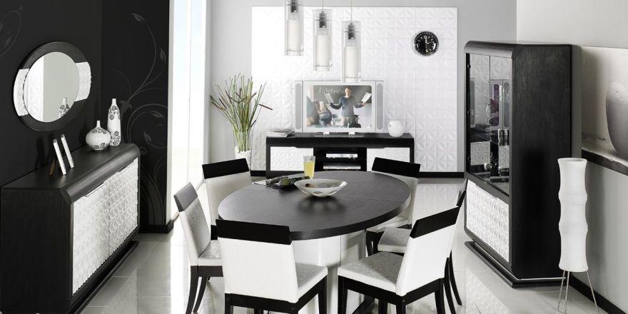 غرفة طعام أسود وأبيض
