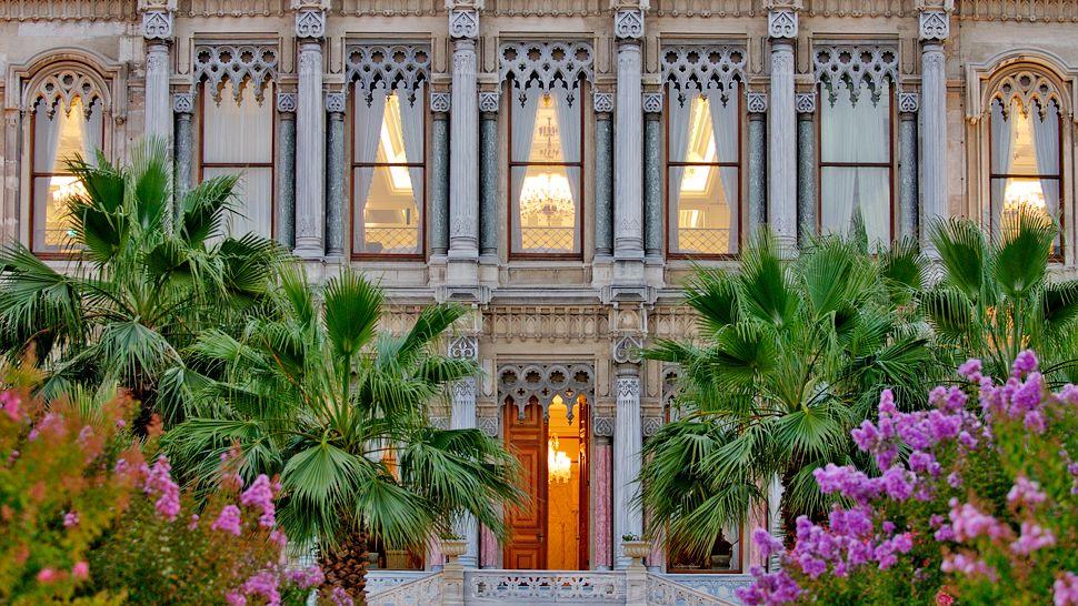 قصر تشيراغان المميز