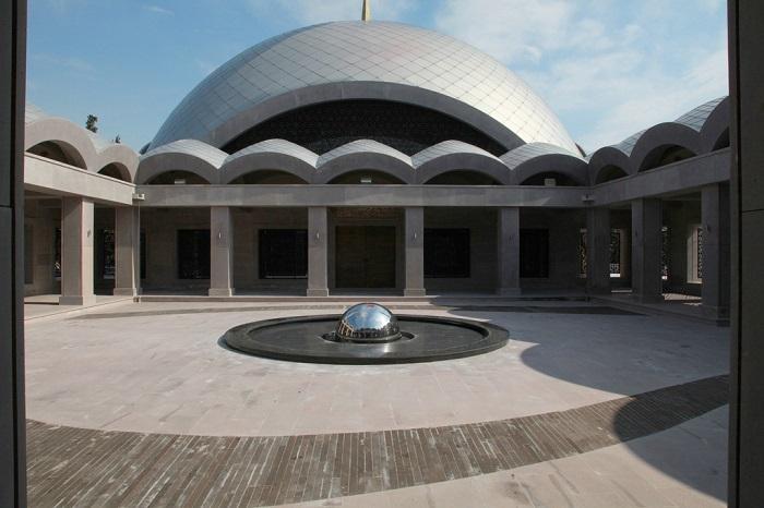 مدخل مسجد الشاركرين