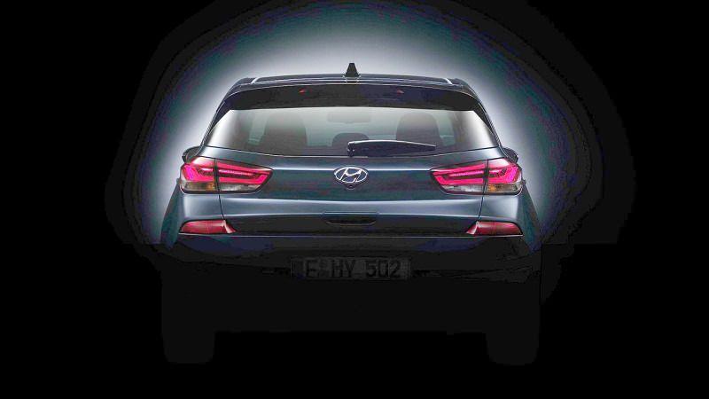 التصميم الخلفي للسيارة هيونداي i30 2017