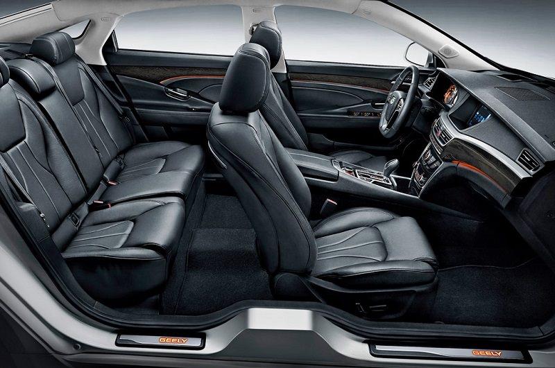 التصميم الداخلي للسيارة جيلي اميجراند 2017