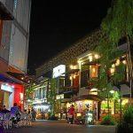 سوق كامبليس السياحي في مدينة باندونج