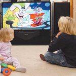 العمر المسموح  للطفل بمشاهدة التلفزيون