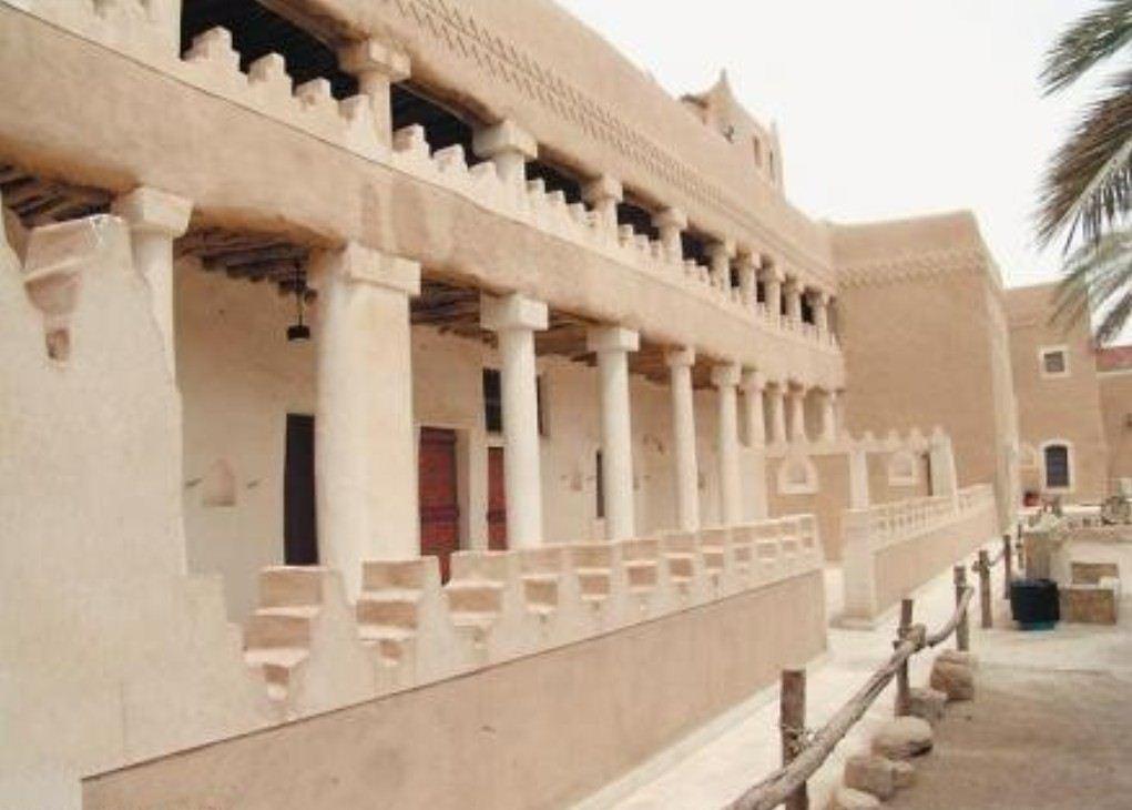 قصر عنيزة