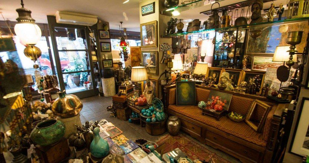 محلات بيع التحف في البازار الكبير