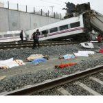 سقوط ضحايا و إصابات بسبب انحراف قطار عن مساره في اسبانيا