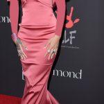 ـ افضل إطلالات الفنانة العالمية ريهانا (Rihanna) ر-يهانا-علي-الريد-كا