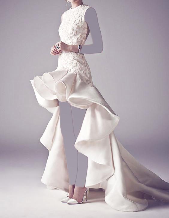 523af5752 فستان زفاف قصير من الامام و طويل من الخلف   المرسال