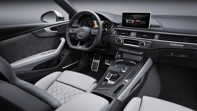 التصميم الداخلي للسيارة اودي A5 سبورتباك 2018