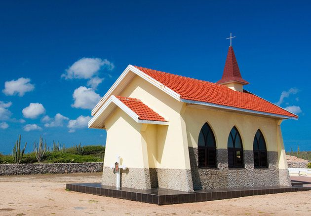 اشهر معالم جزيرة أروبا 6-Alto-Vista-Chapel.