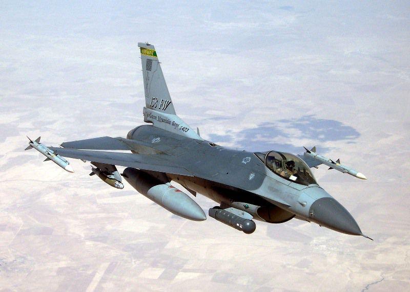 F-16 فالكون القتالية