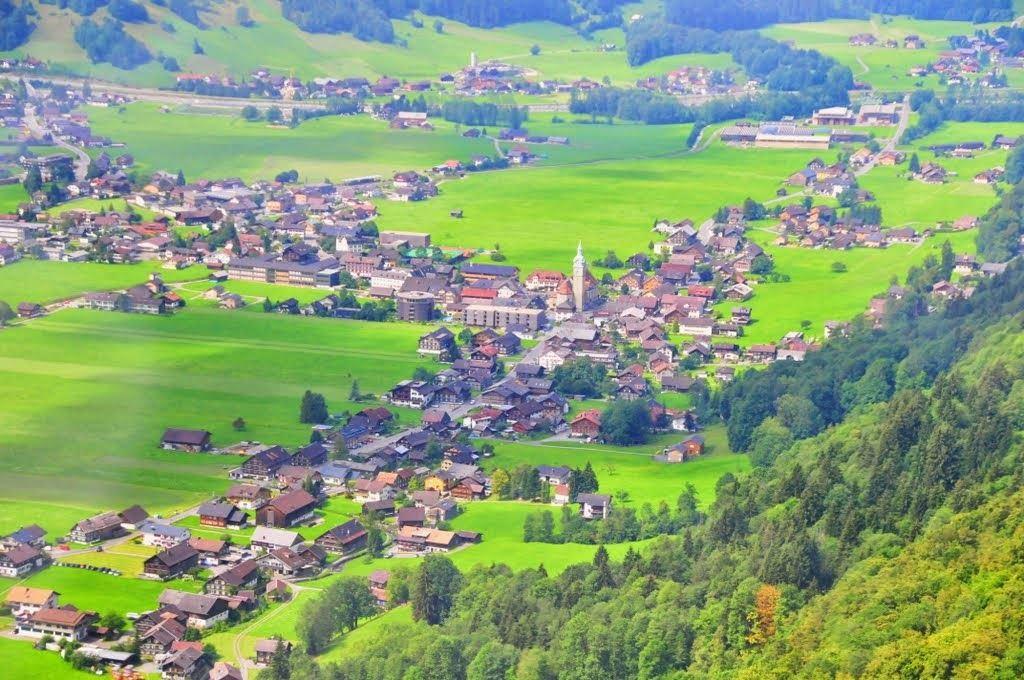 قرية بيزاو