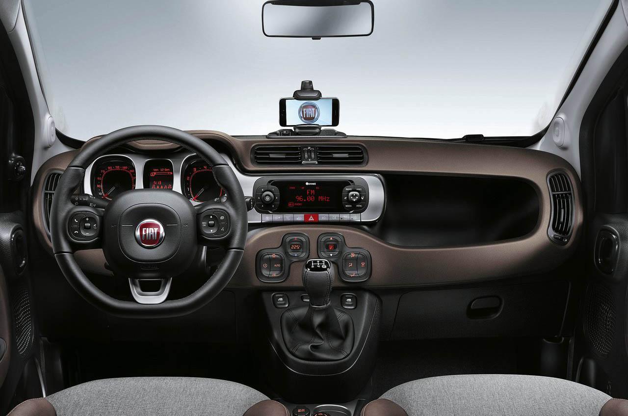 التصميم الداخلي للسيارة فيات باندا 2017