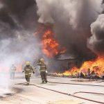 حريق بمصنع للأسفنج في المنطقة الشعيبة بمحافظة الأحمدي
