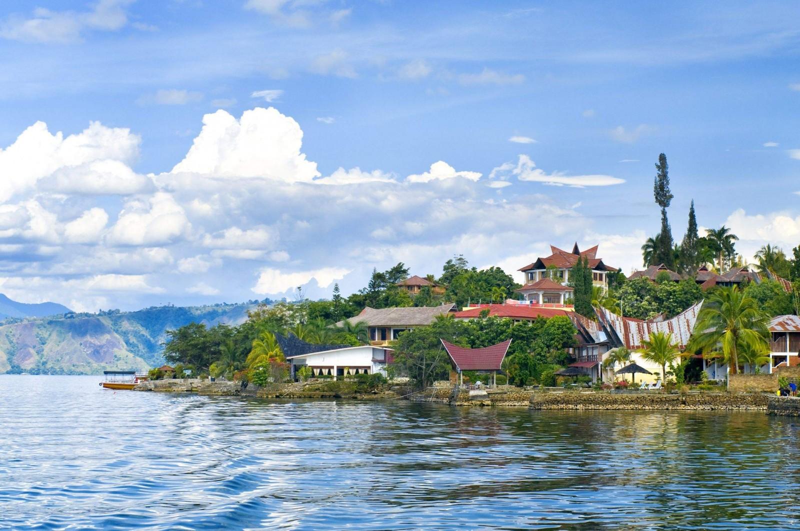 بحيرة توبا