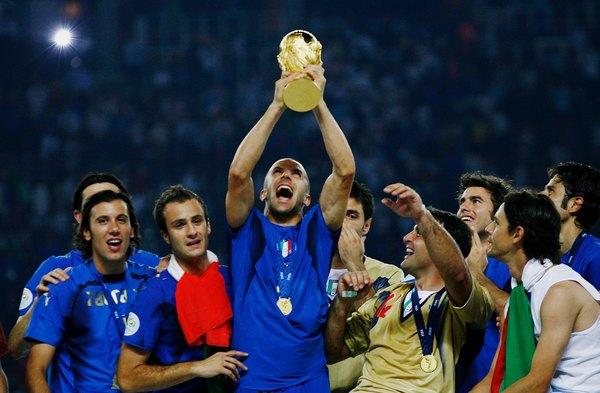 منتخب إيطاليا عام 2006 الفائز بكأس العالم