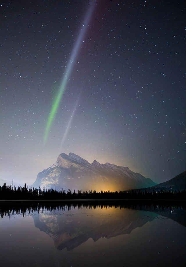 الشفق من حديقة بانف الوطني، كندا