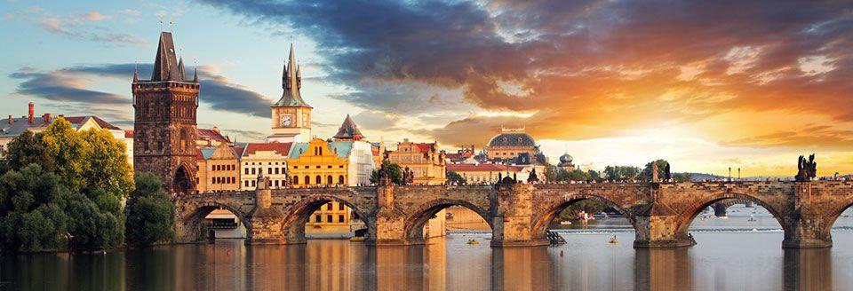 أكثر العالم رومانسية لعام 2016 Prague-will-instantl