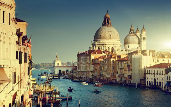 أكثر العالم رومانسية لعام 2016 Venice-is-the-city-t