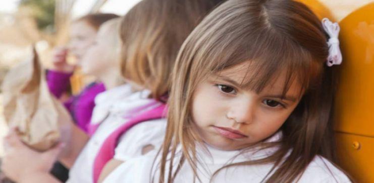أسباب و علامات ضعف شخصية الطفل