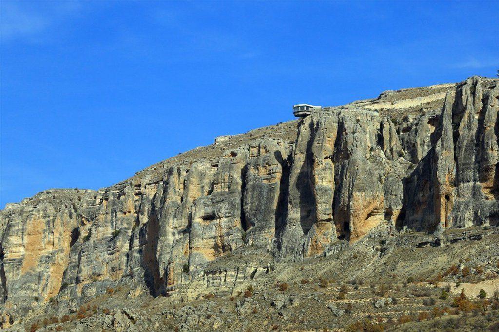 الصخور في وادي لفنت