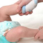 انواع البراز عند الرضع وعلاقة التبرز بالرضاعة