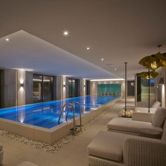 تصاميم حمامات سباحة داخل المنازل