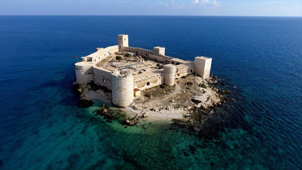 قلعة مامور