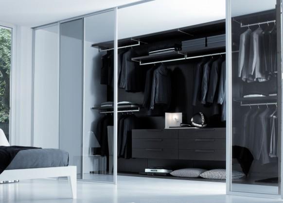مساحات تخزين بغرفة الملابس