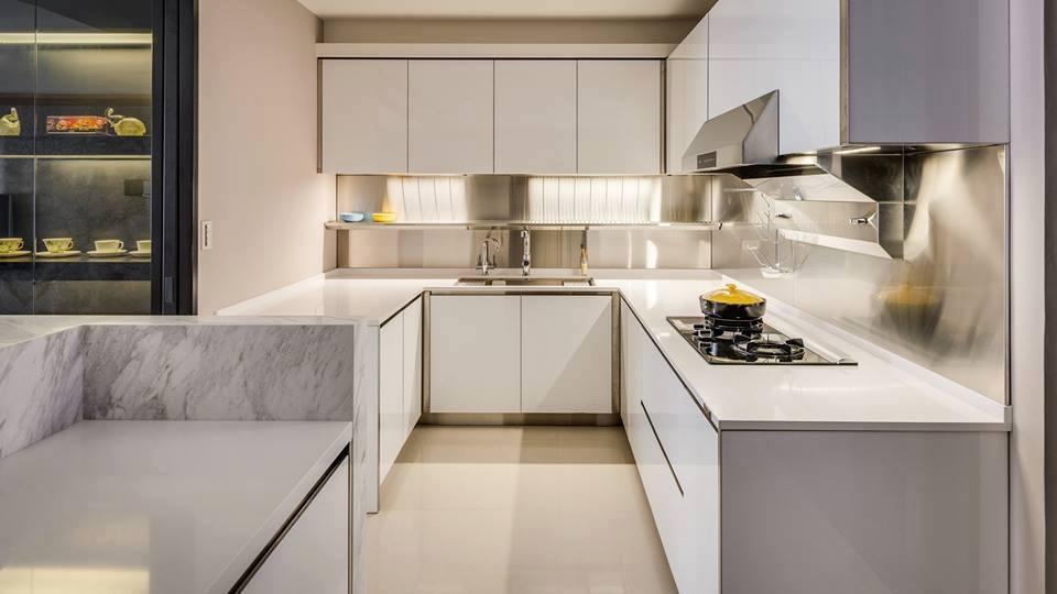 اخبار الامارات العاجلة -ابيض-بسيط تصاميم مطابخ عصرية أخبار متنوعة  منوعات مطابخ ديكورات design kitchens