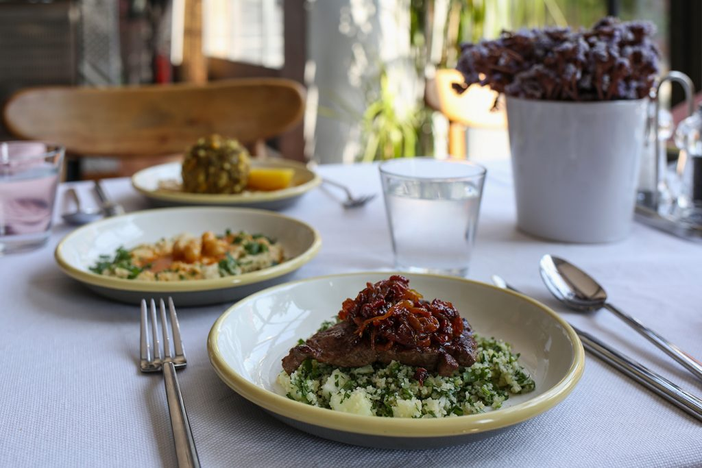 مطعم Semeni