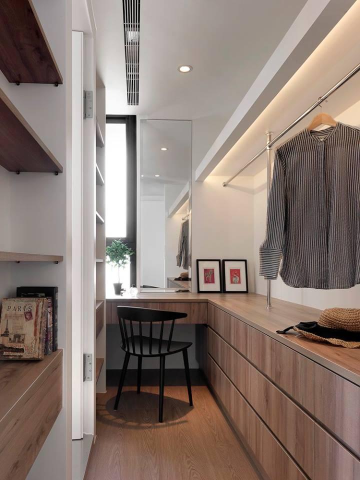 منزل ملابس