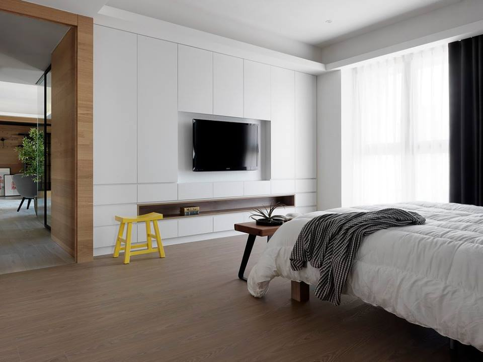منزا نوم و تلفاز